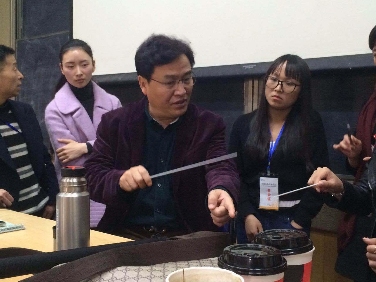 中央音乐学院教授赵瑞林,原中国解放军军乐团副团长姜斯文三位专家的
